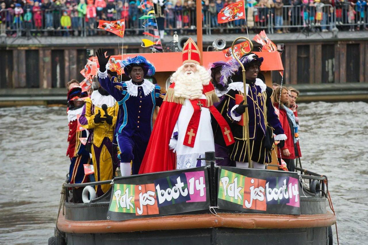 Blackface-Sinterklaas-Netherlands.jpg