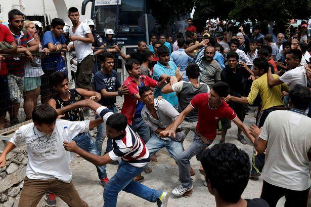 migrants-violent.jpeg