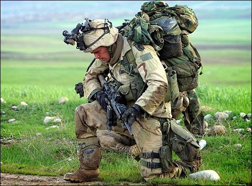 military%20in%20prayer.jpg